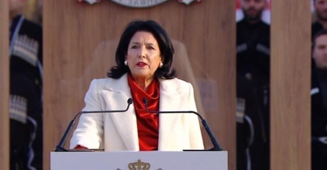 Slider-Gürcüstan Prezidenti Salome Zurabişvili fövqaladə vəziyyət rejimini təsdiqlədi