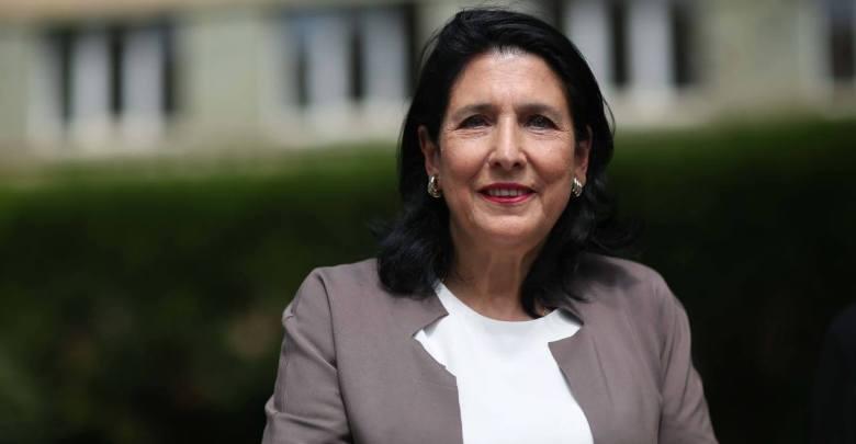 Slider-Prezidenti Salome Zurabişvili Gigi Ugulava və İrakli Okruaşvilini əfv etdi