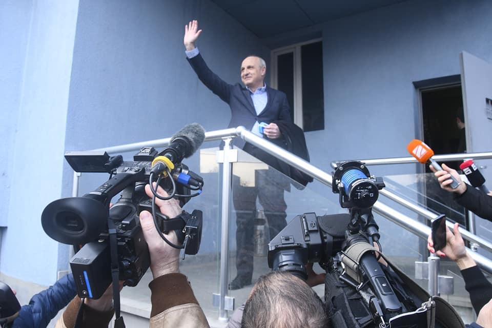 Slider-Keçmiş baş nazir 2020-ci il parlament seçkiləri ilə bağlı bəyanat yayır